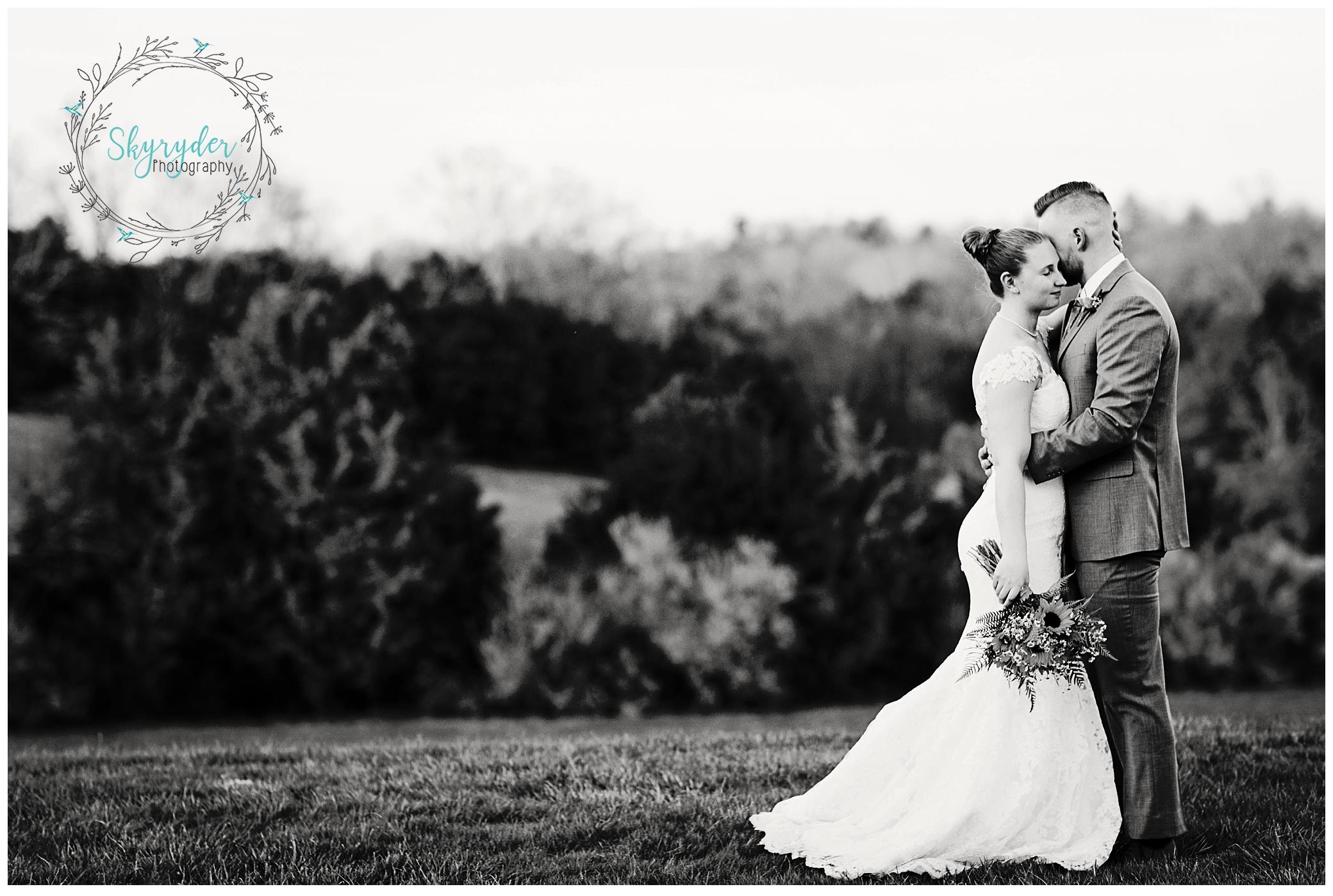 early mountain vineyard charlottesville blacksburg wedding photographer photography roanoke skyryder san francisco california virginia